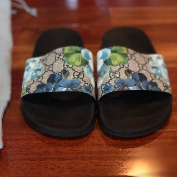 65633517e Gucci Shoes   Blue Bloom Print Flower Slide Sandals   Poshmark